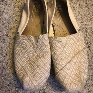 Toms Flats size 9.5